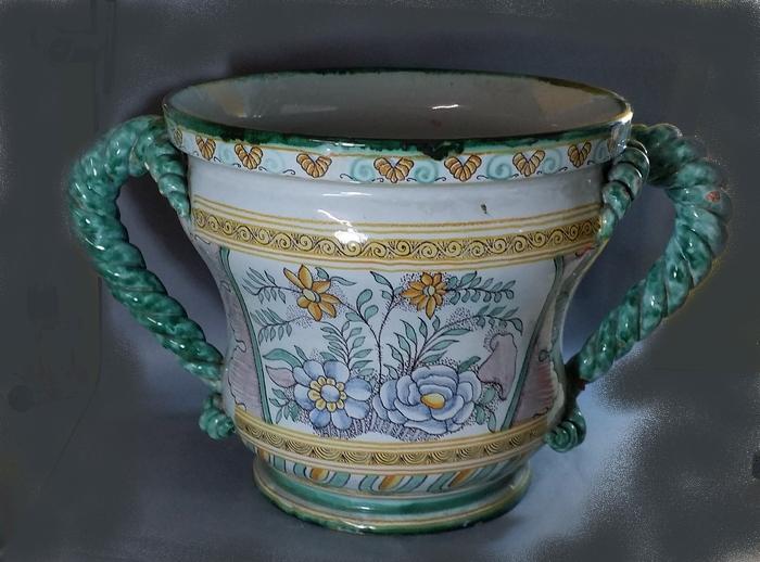 grand vase cache pot nevers montaignon xix me si cle. Black Bedroom Furniture Sets. Home Design Ideas