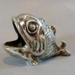 ob_0801a9_poisson-formant-cendrier-en-metal-argente