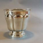 ob_a05b7d_petit-vase-en-metal-argente-a-larges-godrons