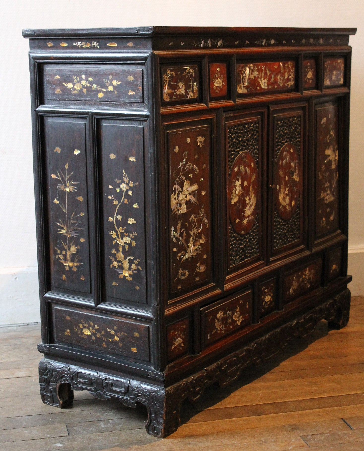 Meuble asiatique meuble asiatique meuble mario for Meuble asiatique
