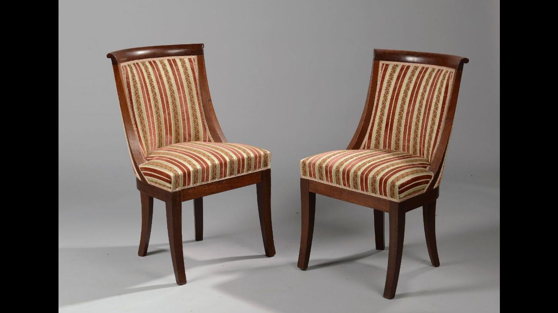 paire de chaises gondoles en acajou poque restauration magasin pierre brost. Black Bedroom Furniture Sets. Home Design Ideas