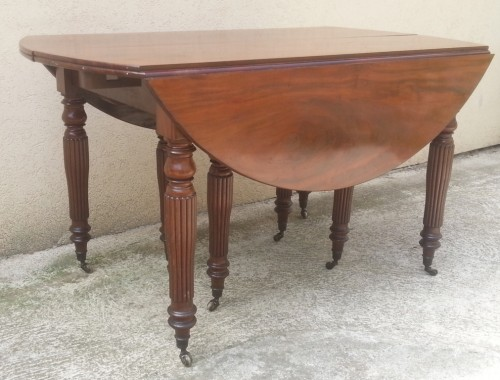 Grande table manger en acajou massif epoque restauration 5 allonges magasin pierre brost for Tres grande table de salle a manger