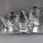 Service à thé café en métal argenté. Vers 1900. De la célèbre maison londonienne Mappin and Webb cafetiere (1) (FILEminimizer)