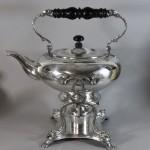 Théière réchaud Samovar en métal doublé d'argent. Old sheffield fused plate silver. 1820. Décor de grecs (4)