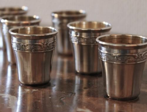 serie de 6 gobelets en argent massif à liqueur style Louis XV vermeil poincon minerve (1)