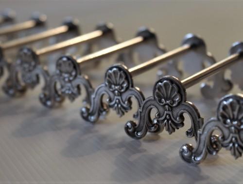 porte-couteaux-style-louis-xv-metal-argente-2