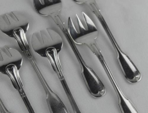 12 fourchettes à huître en argent massif modèle au filet contour chinon (3)