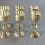 6 verres à liqueur sur pied en métal argenté