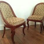 paire chaises gondole epoque charles X 1 restauration empire XIX ème siècle  pieds jarret sabre acajou filet citronnier fauteuils sièges cabriolet
