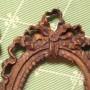 paire petits cadres encadrement epoque louis XVI XVIII ème siècle bois sculpté doré frise de perles ruban noué miniature (6)