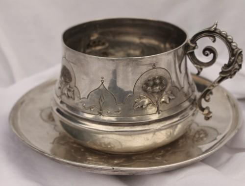 tasse à chocolat en argent massif art nouveau 1900 soucoupe minerve pages freres petit dejeuner