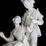 biscuit XVIII sevres elegants scène galante chien fidelité cage oiseau (3)