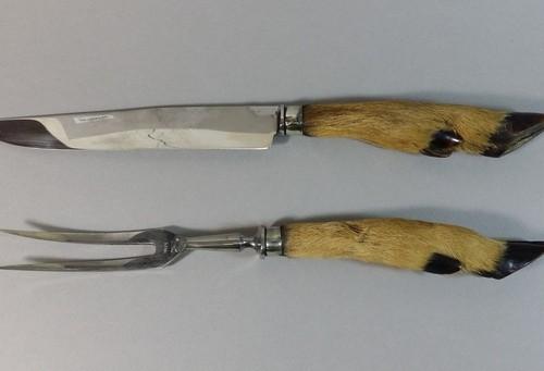service à découper. manches en patte de bebete. longueur 32 cm