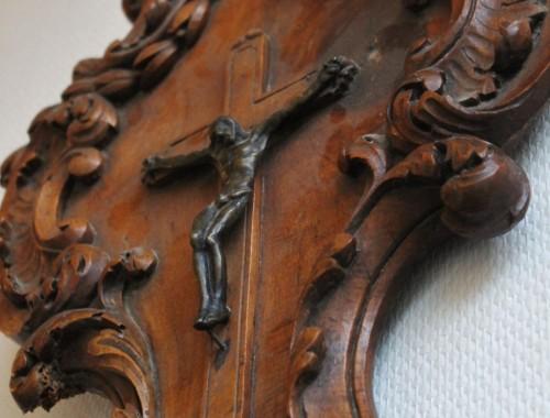 grand benitier en noyer sculpté christ crucifix XVIII epoque louis XV XVI provence  (5)