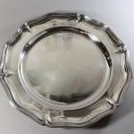 Beau plat en métal argenté. De la maison Gallia Christophe. Modèle filet contour) (1)